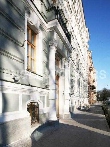 Элитные квартиры в Центральном районе. Санкт-Петербург, Конногвардейский б-р, 5. Вход в комплекс с Конногвардейского бульвара