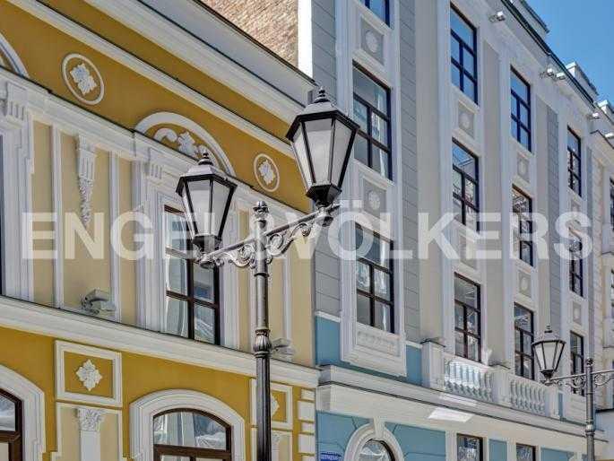 Элитные квартиры в Центральном районе. Санкт-Петербург, Конногвардейский б-р, 5.