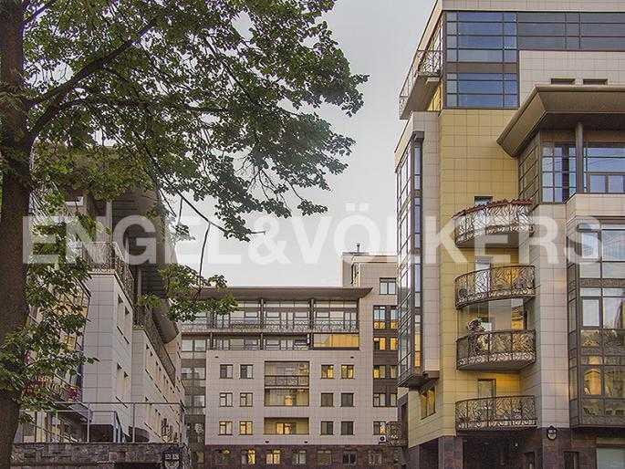 Элитные квартиры в Петроградский р-н. Санкт-Петербург, Куйбышева, 26. Фасад комплекса