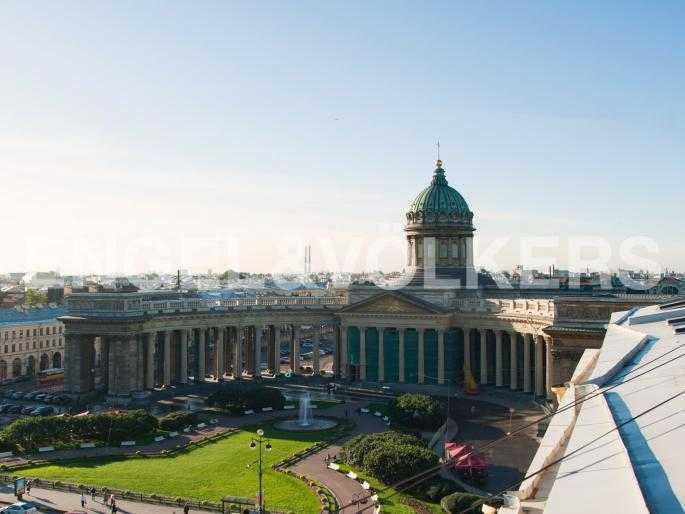 Вид с террасы на Казанский собор