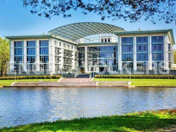 Элитные квартиры на . Санкт-Петербург, Южная дорога, 5. Вид на комплекс со стороны Южного пруда
