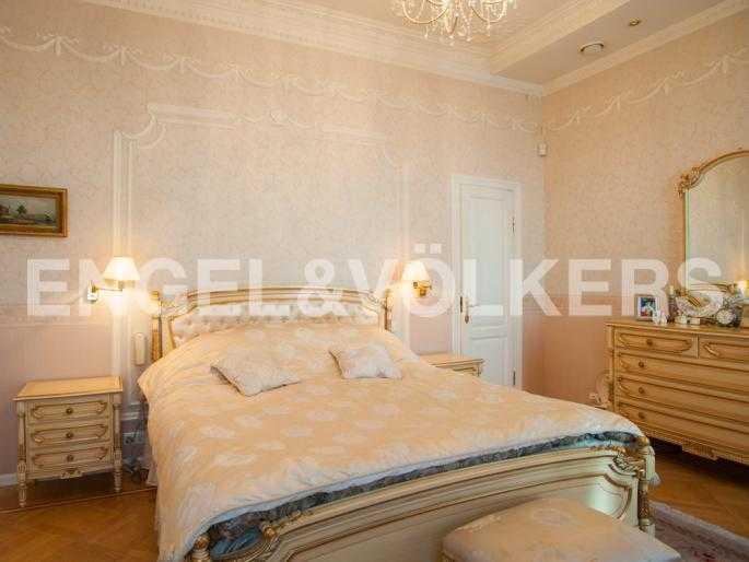 Элитные квартиры в Центральном районе. Санкт-Петербург, Мал. Конюшенная, 9. Спальня