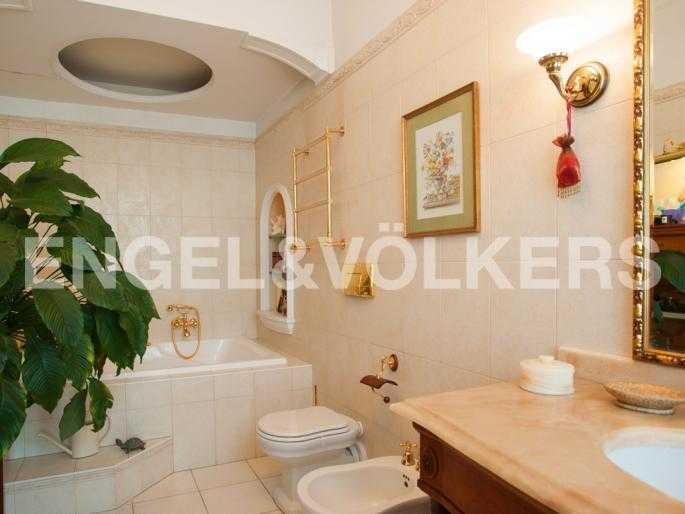 Элитные квартиры в Центральном районе. Санкт-Петербург, Мал. Конюшенная, 9. Ванная комната