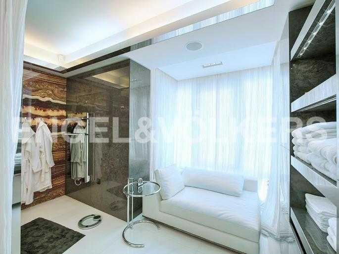 Элитные квартиры на . Санкт-Петербург, Южная дорога, 5. Ванная комната при основной спальне