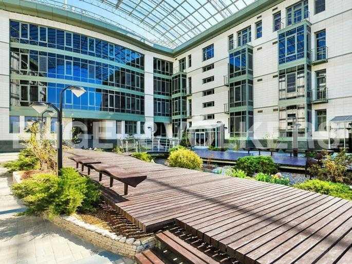 Элитные квартиры на . Санкт-Петербург, Южная дорога, 5. Внутренний атриум комплекса