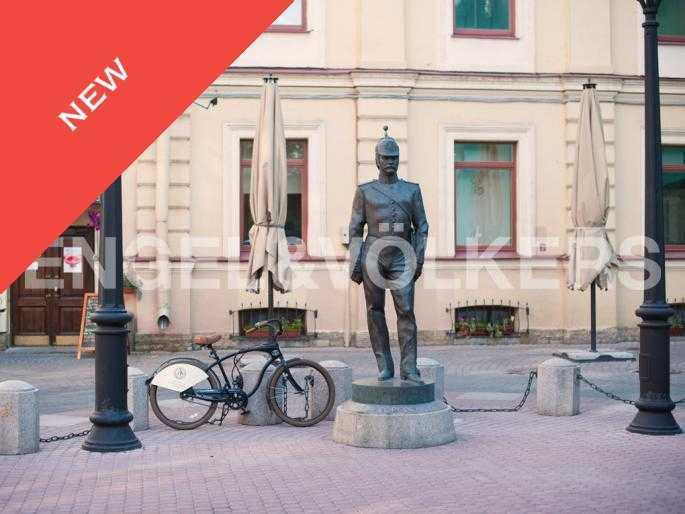 Элитные квартиры в Центральном районе. Санкт-Петербург, Мал. Конюшенная, 9. Малая Конюшенная улица