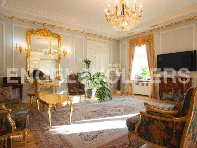 Элитные квартиры в Центральном районе. Санкт-Петербург, Мал. Конюшенная, 9. Гостиный зал