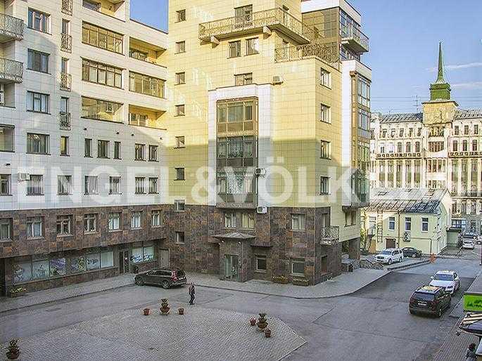 Элитные квартиры в Петроградский р-н. Санкт-Петербург, Куйбышева, 26. Вид на закрытую территорию комплекса