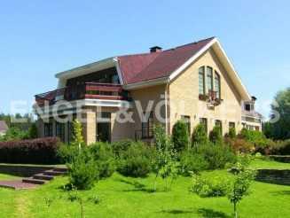 п. Ильичево — Загородный дом с изысканными интерьерами