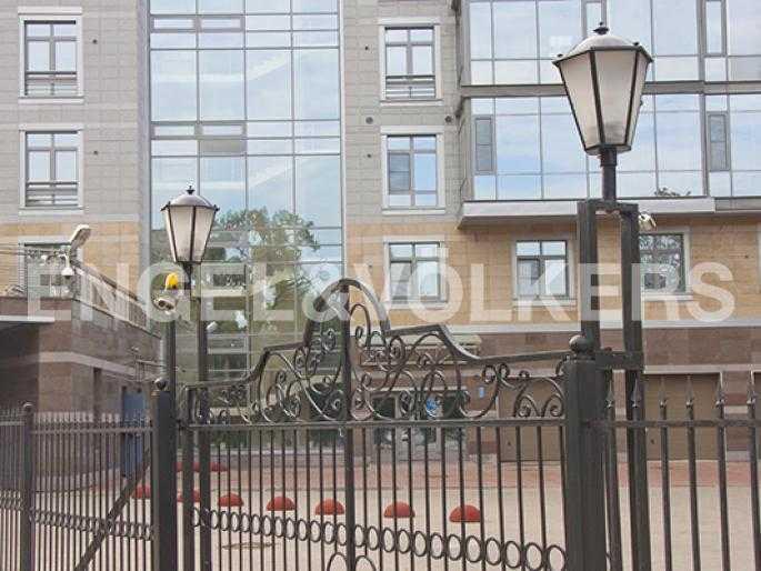 Элитные квартиры на . Санкт-Петербург, Крестовский, 26. Закрытая территория комплекса