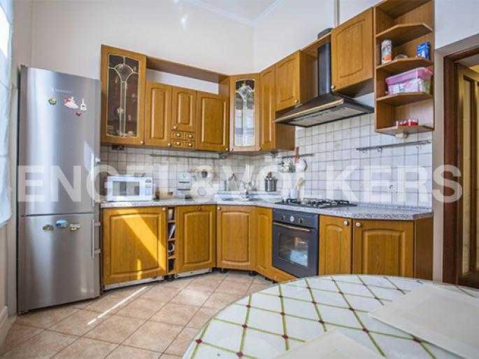 Элитные квартиры в Других районах области. Санкт-Петербург, 5-я Линия, 2. Столовая с кухней