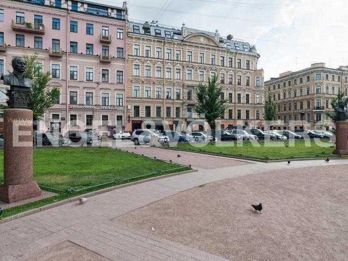 Элитные квартиры в Центральном районе. Санкт-Петербург, Караванная, 16. Фасад дома