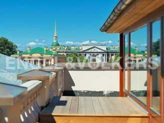 «Особняк на Манежной» — пентхаус с видом на Михайловский замок