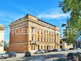 «Особняк на Манежной» — резиденция с видом на Михайловский замок