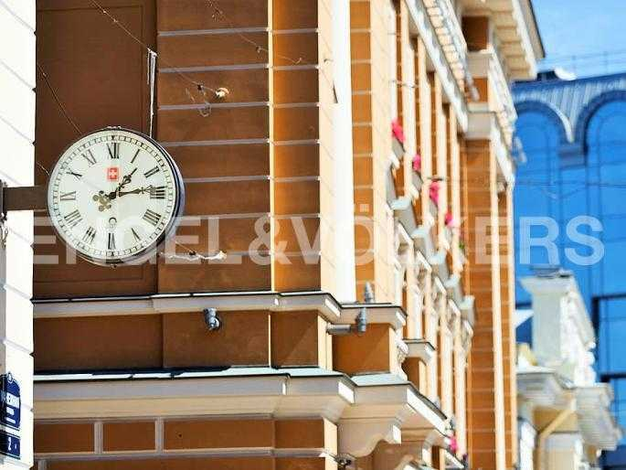 Элитные квартиры в Центральном районе. Санкт-Петербург, Манежная пл. 4. Элементы фасада дома
