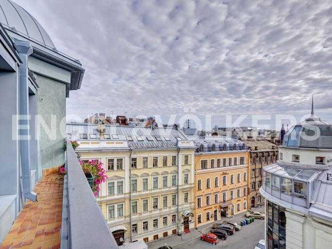 Элитные квартиры в Центральном районе. Санкт-Петербург, Стремянная, 15. Фасад северной (угловой) части здания