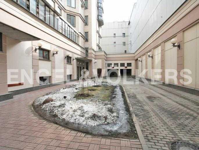 Элитные квартиры в Центральном районе. Санкт-Петербург, Захарьевская, 33. Внутренний двор