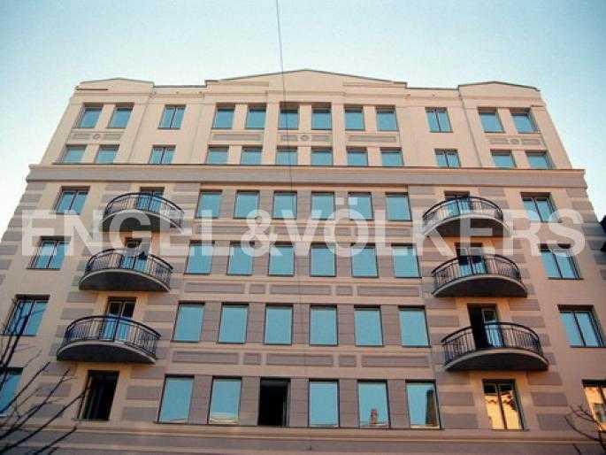 Элитные квартиры в Центральном районе. Санкт-Петербург, Захарьевская, 33. Фасад здания