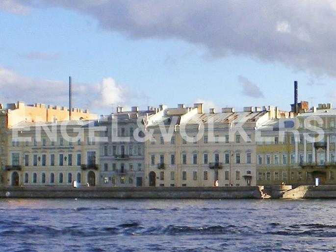 Элитные квартиры в Центральном районе. Санкт-Петербург, Набережная Кутузова, 12. Набережная Кутузова