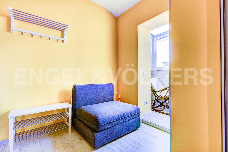 Элитные квартиры в Центральном районе. Санкт-Петербург, Стремянная, 16. Холл-прихожая с выходом на лоджию