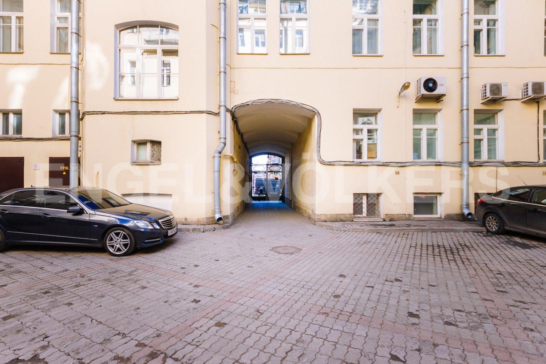 Элитные квартиры в Центральном районе. Санкт-Петербург, Стремянная, 16. Выезд на улицу Стремянная