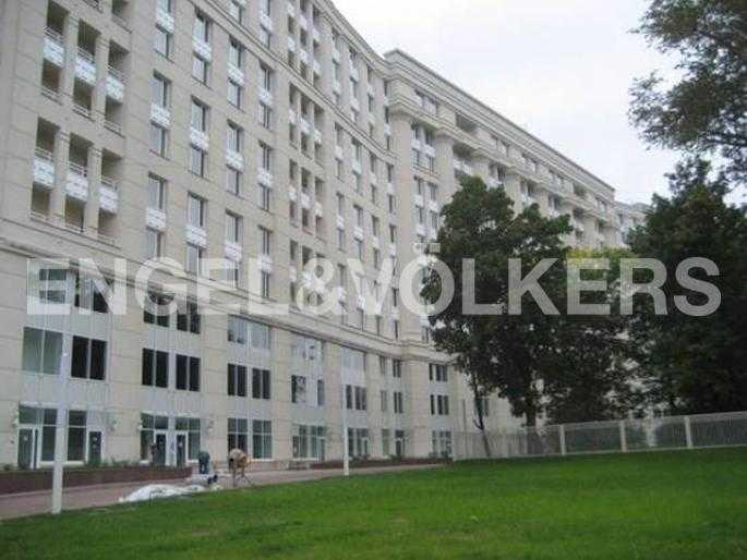 Элитные квартиры в Центральном районе. Санкт-Петербург, Новгородская ул.. Фасад здания