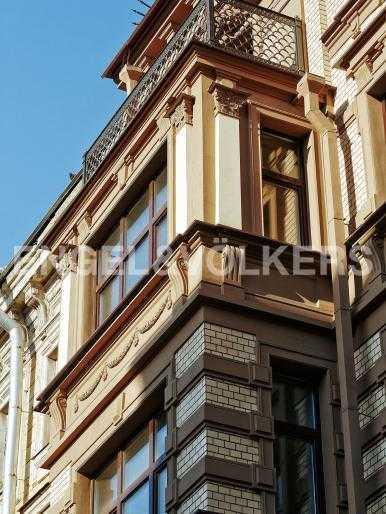 Элитные квартиры в Центральном районе. Санкт-Петербург, Стремянная, 15. Эркер