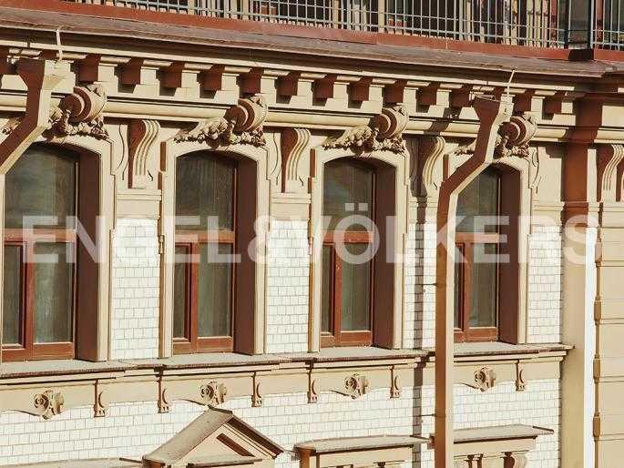 Элитные квартиры в Центральном районе. Санкт-Петербург, Стремянная, 15. Архитектурные элементы фасада