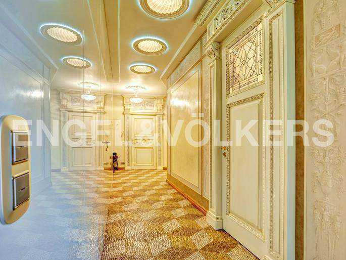 Элитные квартиры в Центральном районе. Санкт-Петербург, наб. реки Фонтанки, 1. Холл-прихожая