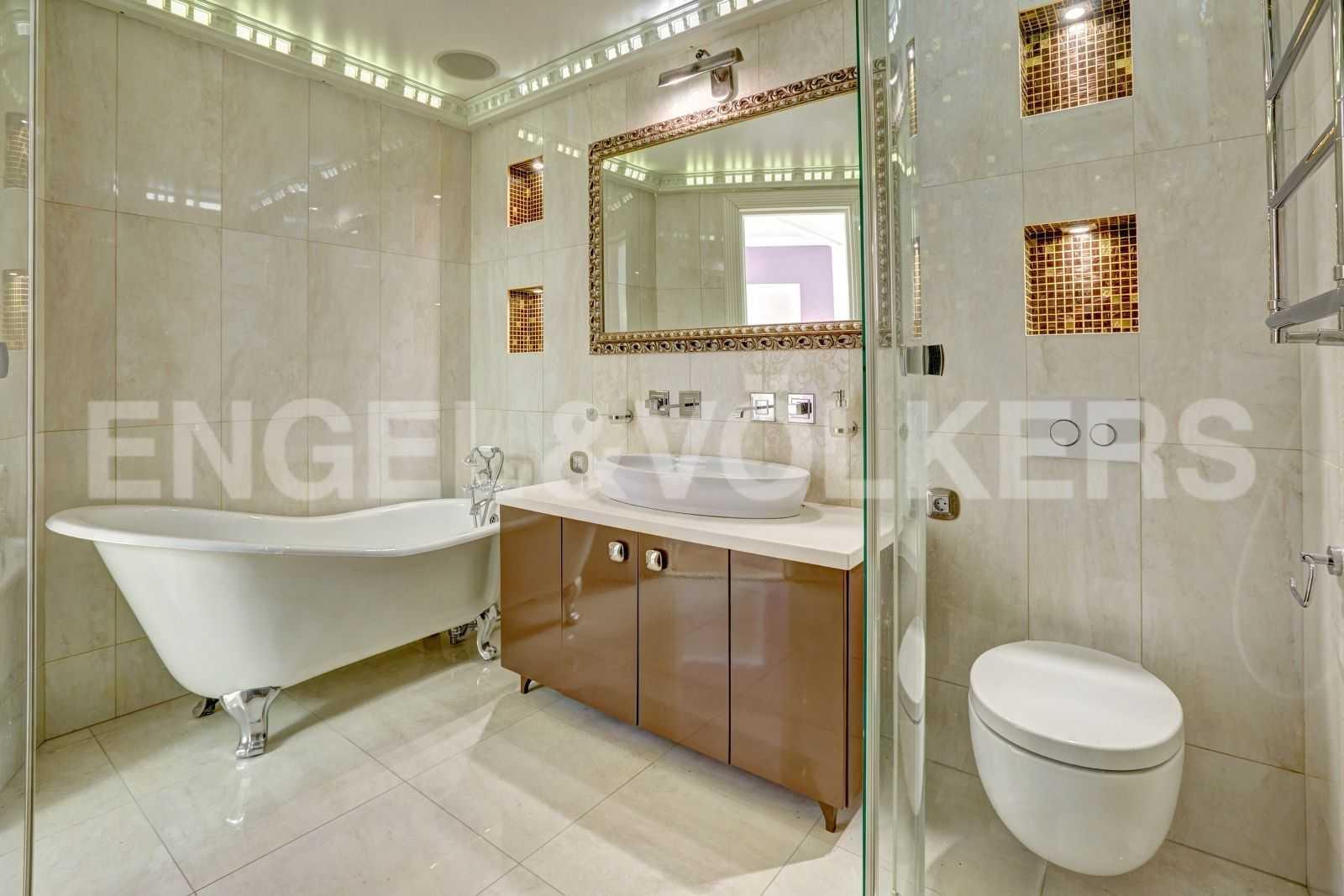 Элитные квартиры в Центральном районе. Санкт-Петербург, Тверская, 1А. Ванная комната в спальне