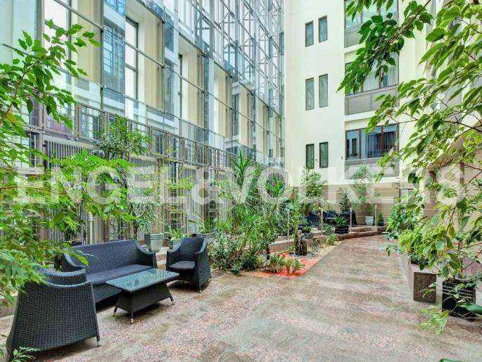 Элитные квартиры в Центральном районе. Санкт-Петербург, наб. реки Фонтанки, 1. Внутренний двор-атриум