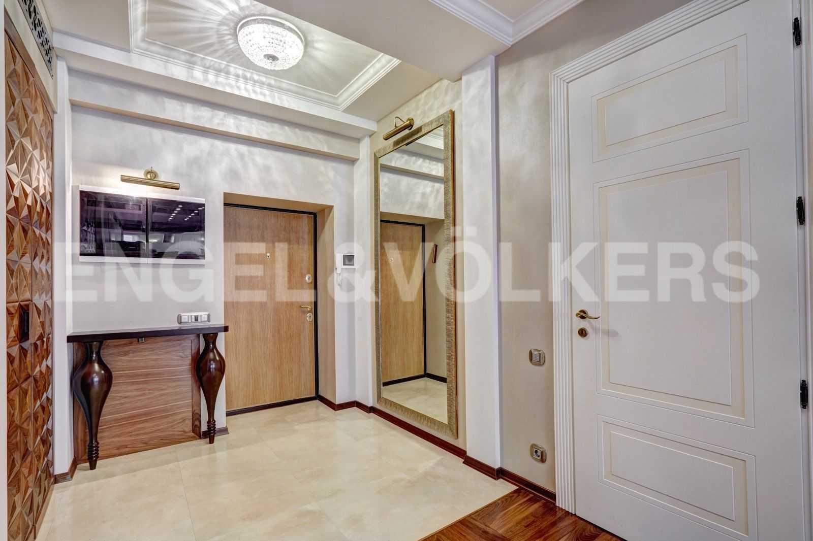 Элитные квартиры в Центральном районе. Санкт-Петербург, Тверская, 1А. Холл-прихожая