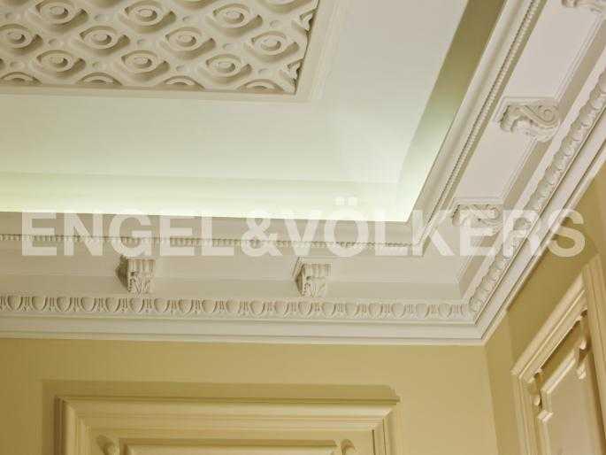 Элитные квартиры в Центральном районе. Санкт-Петербург, Стремянная, 15. Декоративный потолок