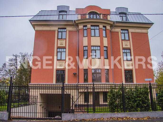 Элитные квартиры в Других районах области. Санкт-Петербург, Дибуновская, 22. Вид на боковой фасад здания