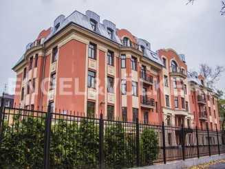 Дибуновская, 22 «Rich`Art Club» — Дом в микрорайоне с малоэтажной застройкой