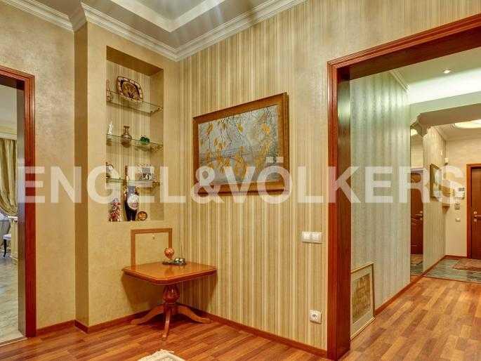 Элитные квартиры в Центральном районе. Санкт-Петербург, Исполкомская, 4-6. Холл