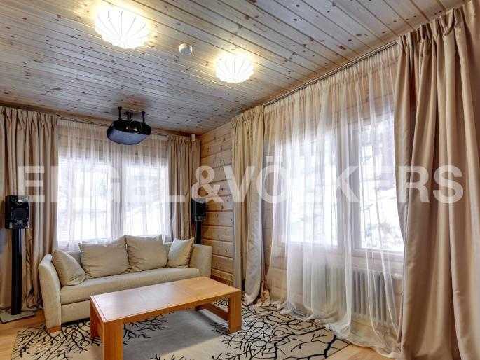 Элитные квартиры в Всеволожском районе. Ленинградская область, п. Медное озеро. Кинотеатр