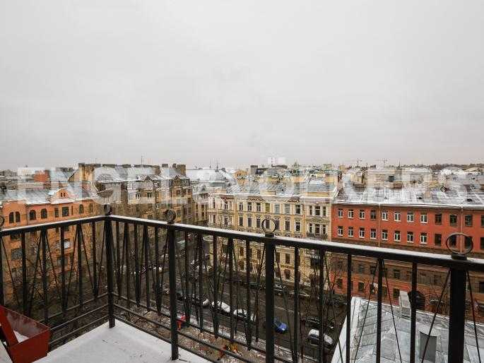 Элитные квартиры в Центральном районе. Санкт-Петербург, Исполкомская, 4-6. Вид с балкона