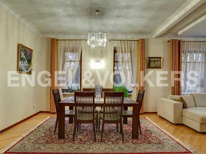 Элитные квартиры на . Санкт-Петербург, 2-я Березовая аллея 15. Зона гостиной