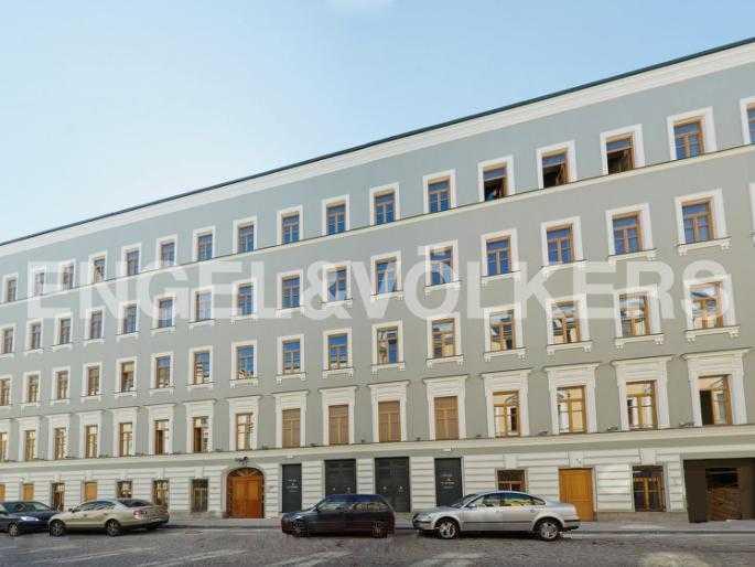 Элитные квартиры в Центральном районе. Санкт-Петербург, Конногвардейский б-р, 5. Фасад дома по Галерной улице