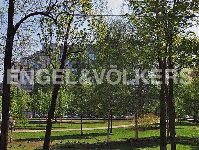 Элитные квартиры в Петроградский р-н. Санкт-Петербург, Б. Зеленина, 8. Зеленинский парк расположенный рядом с домом