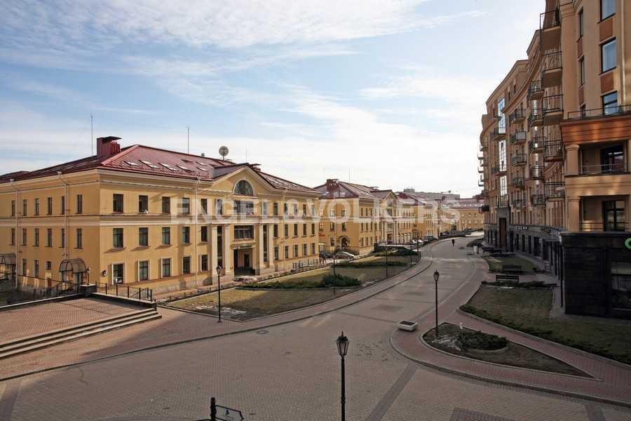 Элитные квартиры в Центральном районе. , Парадная ул. 3.