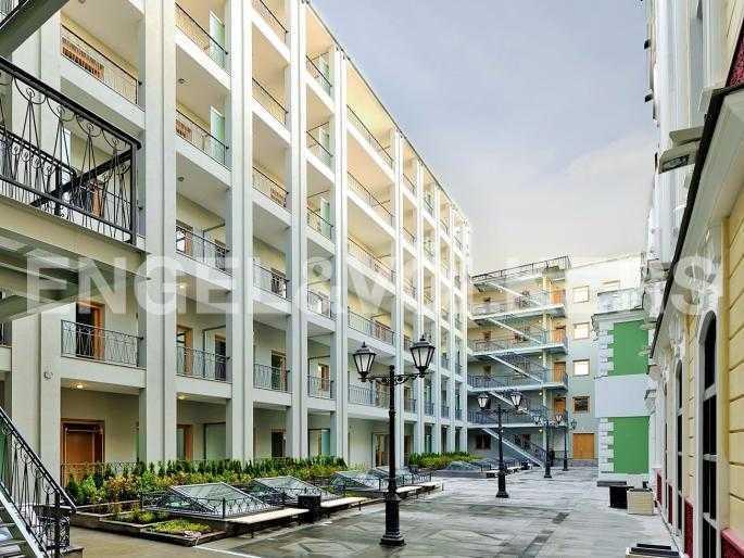 Элитные квартиры в Центральном районе. Санкт-Петербург, Конногвардейский б-р, 5. Восточный двор