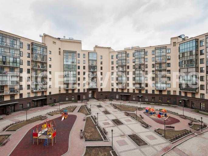 Элитные квартиры в Центральном районе. Санкт-Петербург, Парадная ул. 3. Вид на внуттреннюю территорию комлекса