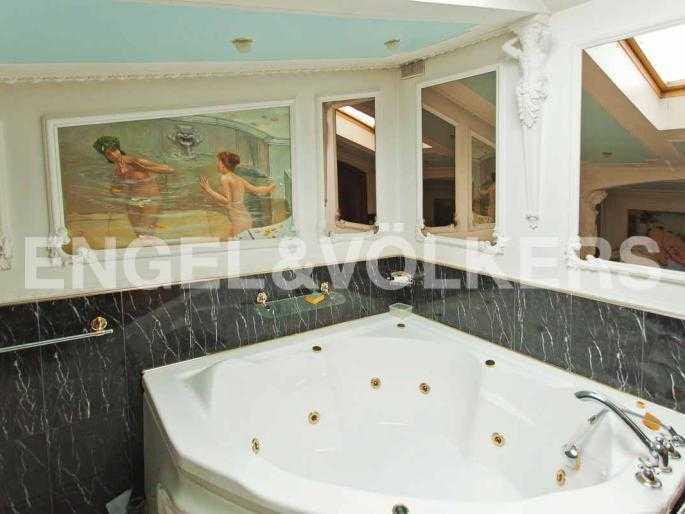 Элитные квартиры в Центральном районе. Санкт-Петербург, Невский, 64. Ванная в спальне