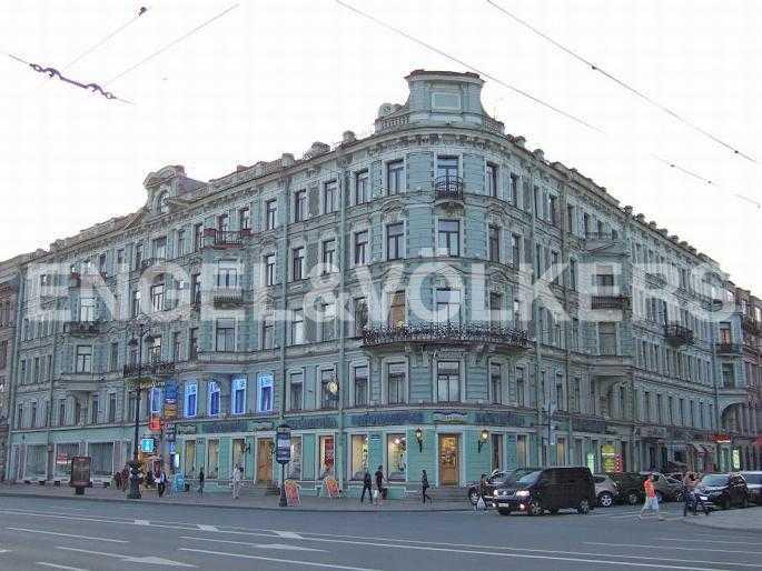 Элитные квартиры в Центральном районе. Санкт-Петербург, Невский, 64. Фасад дома