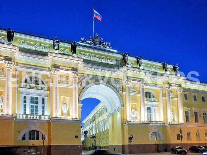 Арка Здания Конституционного суда России - въезд на Галерную улицу