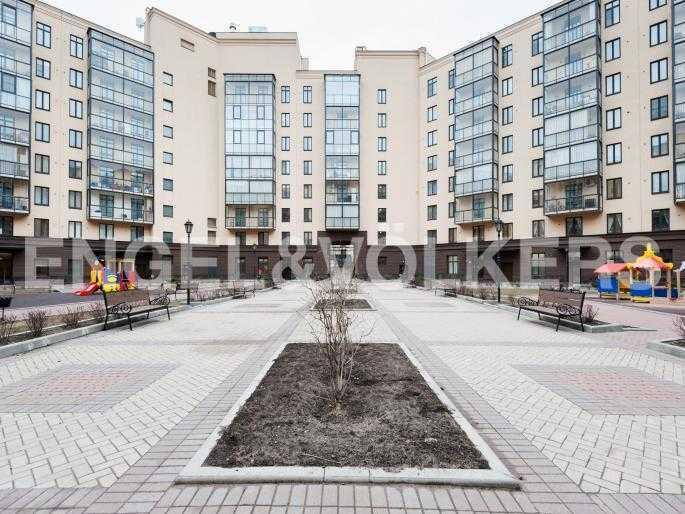 Элитные квартиры в Центральном районе. Санкт-Петербург, Парадная ул. 3. Внутренняя территория комплеская