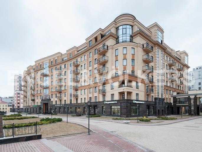 Элитные квартиры в Центральный р-н. Санкт-Петербург, Парадная ул. 3. Фасад дома