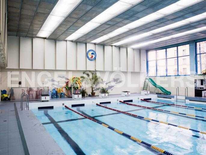Элитные квартиры в Петроградский р-н. Санкт-Петербург, Льва Толстого, 8А. 25-метровый бассейн спорткомплекса